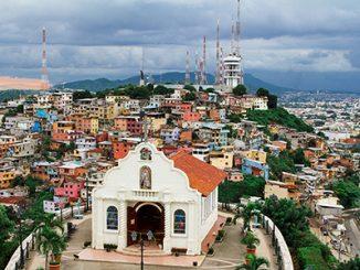 Chapelle sur la colline de Santa Ana à Guayaquil. Photo Sergei Mugashev – Shutterstock.com